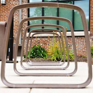 Ein Fahrradständer mit Anlehnbügel
